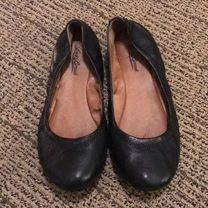 GUC Lucky Brand Size 8 Emmie Flats. Black Leather.
